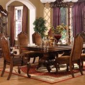 Lesena miza za jedilnico