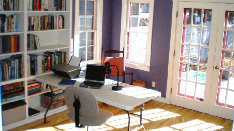 Pisarna v dnevni sobi